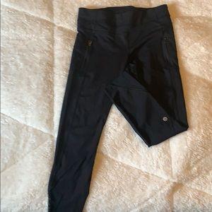 LuLu leggings size 8. Great condition